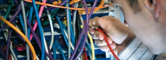 Влияние солнечной радиации, грозовых разрядов на кабели и провода, их коррозия