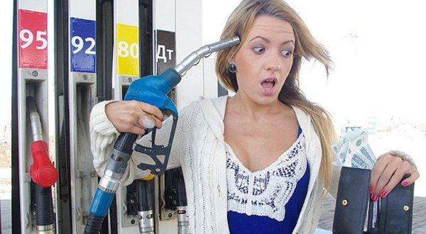 Россиянам прогнозируют по 100 рублей за литр бензина