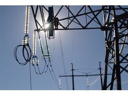 130 км нового грозотроса усилят грозоупорность линий электропередачи Москвы и Подмосковья