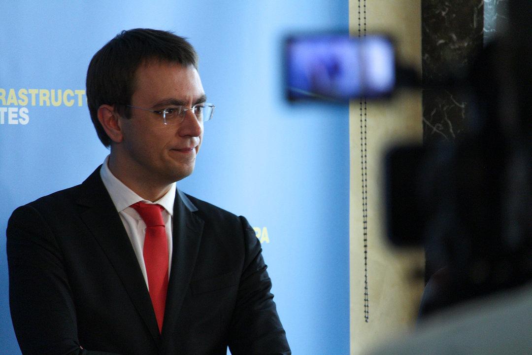 Омелян пригрозил увольнением глав служб автомобильных дорог в 5 областях