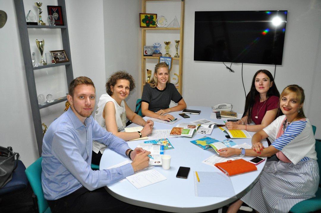 Провідні компанії розпочали проект для кар'єрного розвитку дітей та молоді