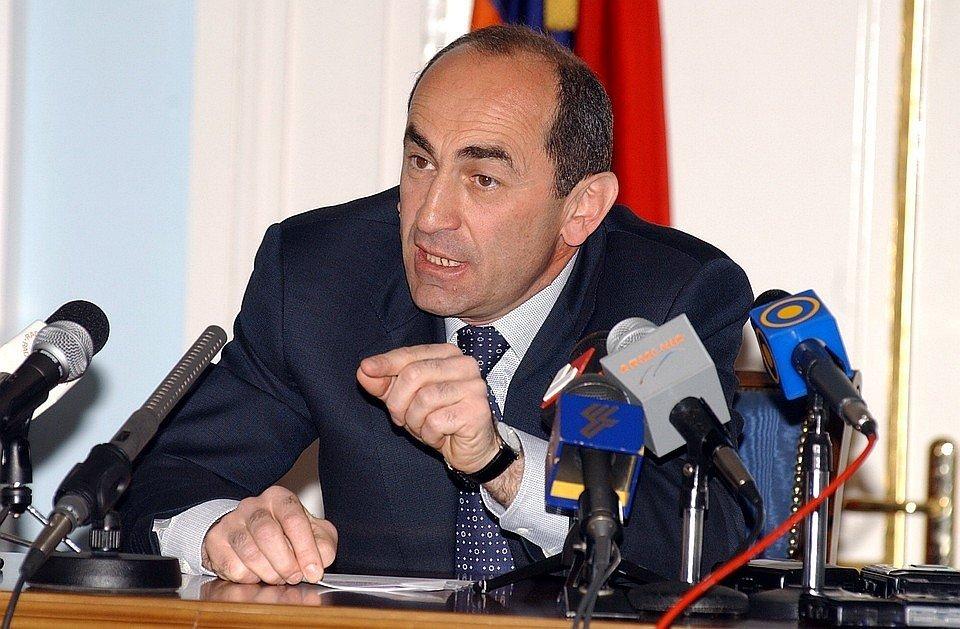 В Армении арестовали экс-президента Роберта Кочаряна