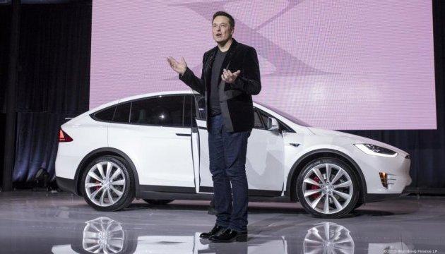Илон Маск выкупит акции Tesla и выведет компанию с биржи