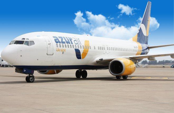 """В аэропорту """"Львов"""" сообщили о задержке двух рейсов компании Azur Air"""