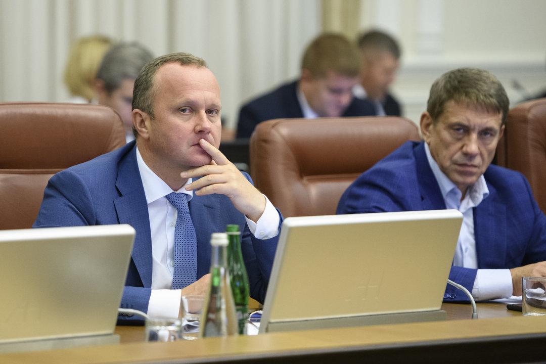 Гройсман раскритиковал Семерака за проволочки с запуском системы, которая даст 3 млрд грн
