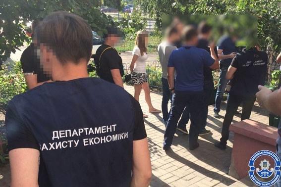 За взятку в 64,5 тыс. грн киевского чиновника приговорили к штрафу в 25,5 тысяч