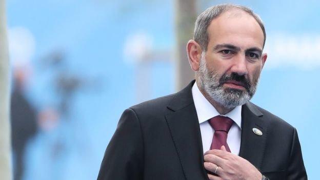Премьер Армении Пашинян заявил об отставке, чтобы провести досрочные выборы