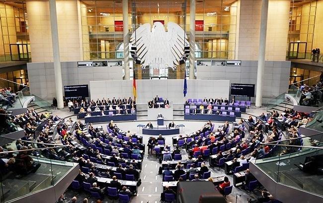 Бундестаг принял рекордный бюджет Германии на 2019 г.