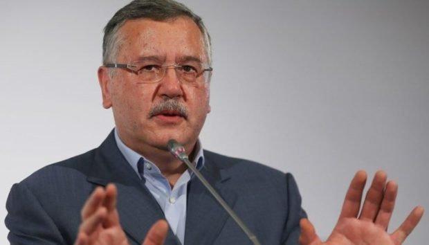 Шансы на победу во втором туре выборов больше всего у Гриценко и Тимошенко — соцопрос