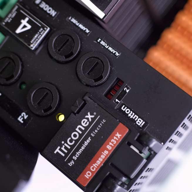 Контроллер Schneider Electric Tricon CX v11.3 обеспечит высокий уровень безопасности на опасных производственных объектах