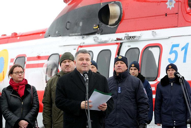 Украинцы смогут посещать Прибалтику без загранпаспорта — Аваков
