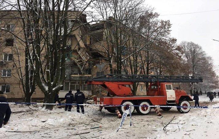 В Фастове на Киевщине произошел взрыв в пятиэтажке, минимум один пострадавший