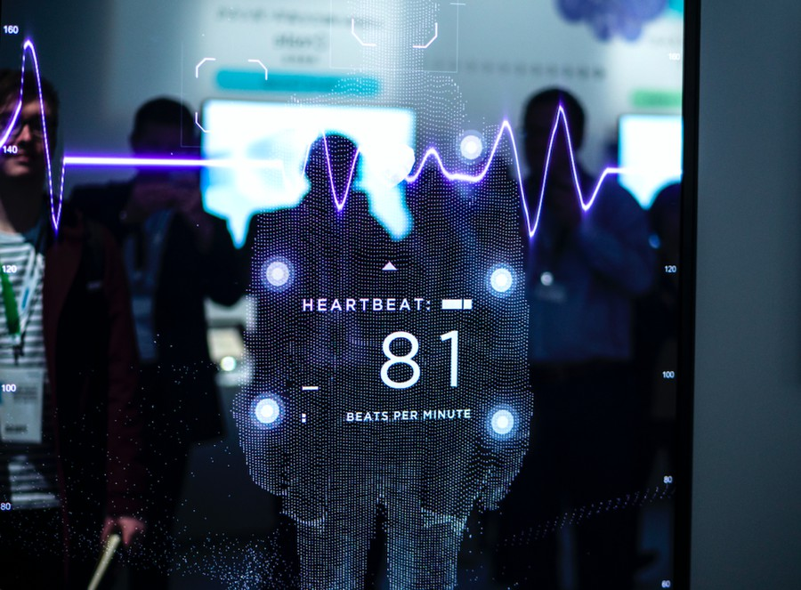 На международной выставке CES 2019 Panasonic представил сенсорное зеркало