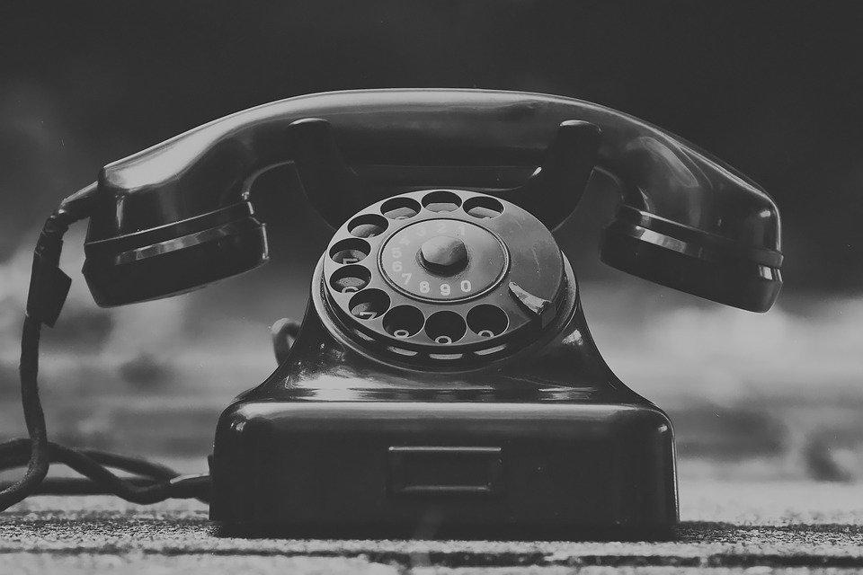 Сколько минут наговорили украинцы по стационарным телефонам на новогодние праздники