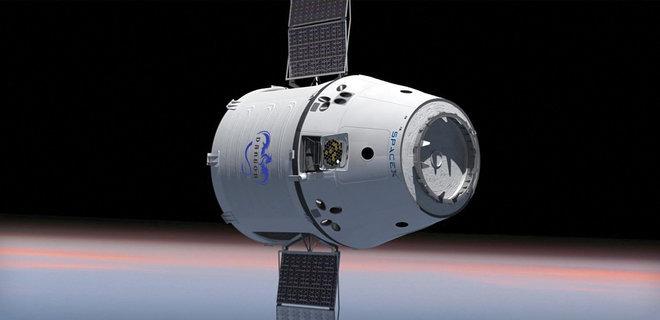 Космический корабль Dragon успешно отстыковался от МКС и взял курс на Землю