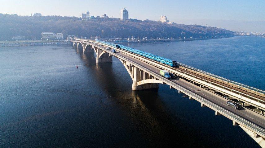 В Киеве капитально отремонтируют мост Метро