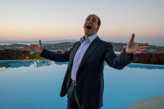 """Великолепная коррупция: о драме Паоло Соррентино """"Сильвио и другие"""""""
