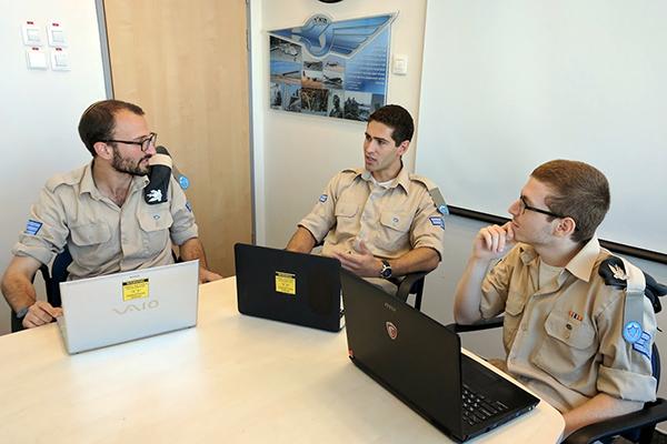 Технологии и война. Как в израильской армии сделали акселератор для стартапов